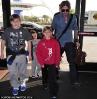 Семейство в аэропорту. Новый образ Бэкса